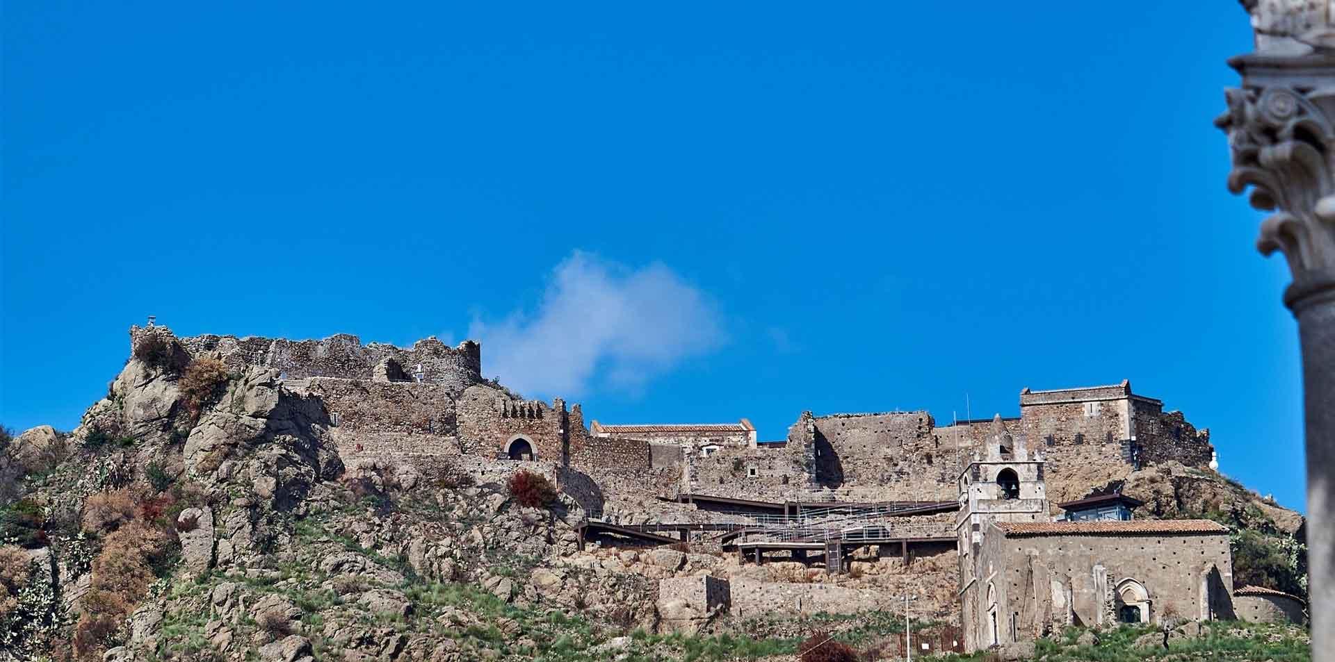 castello-calatabiano-suntripsicily