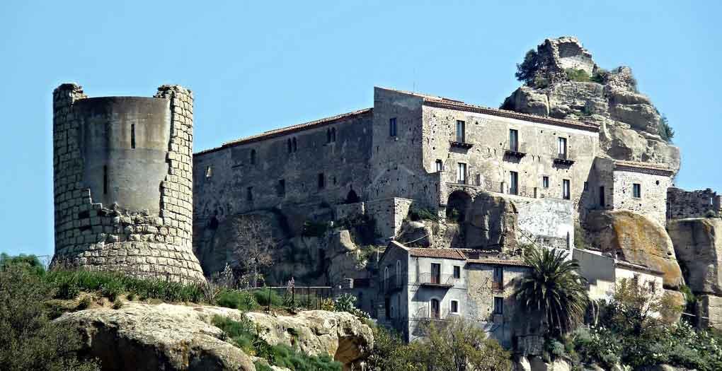 castello-castiglione-di-sicilia-suntripsicily